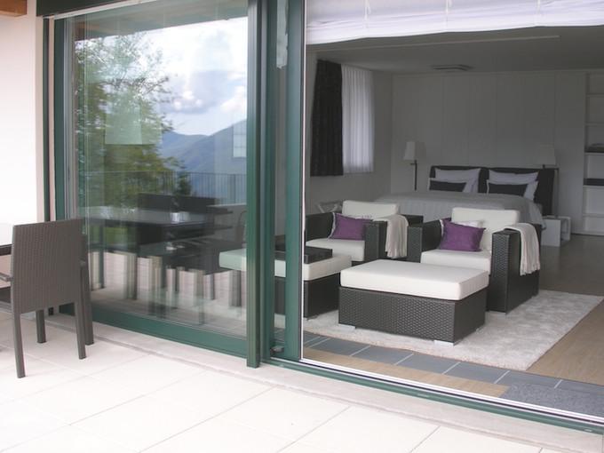 Aussenansicht ferienwohnung apartment loft comer see italien - Bodentiefe schiebefenster ...